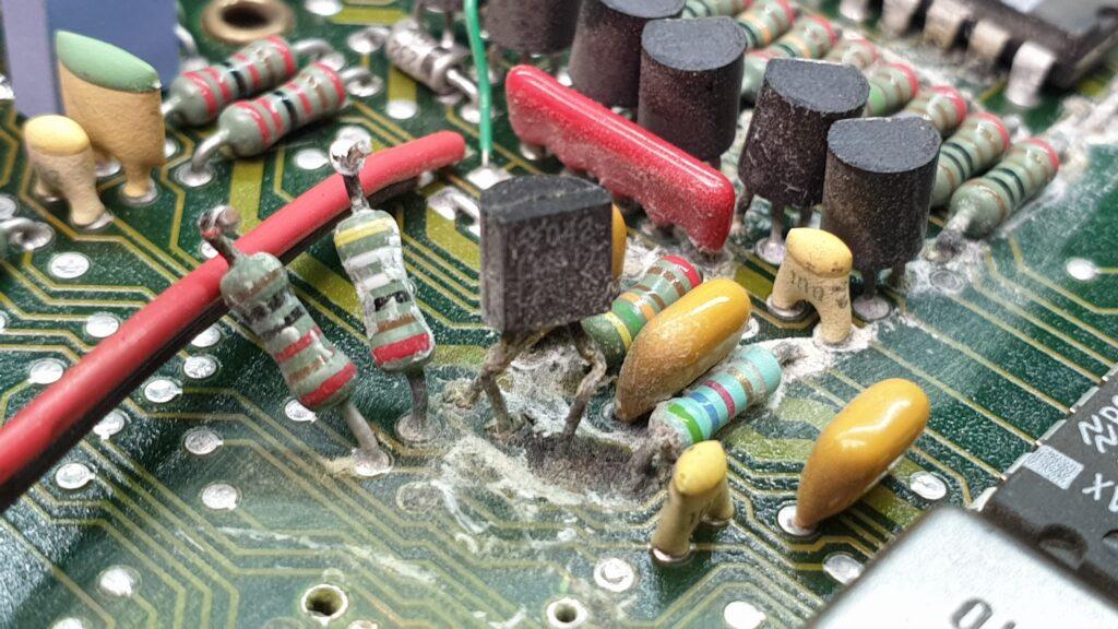 silne utlenienie się elementów PCB